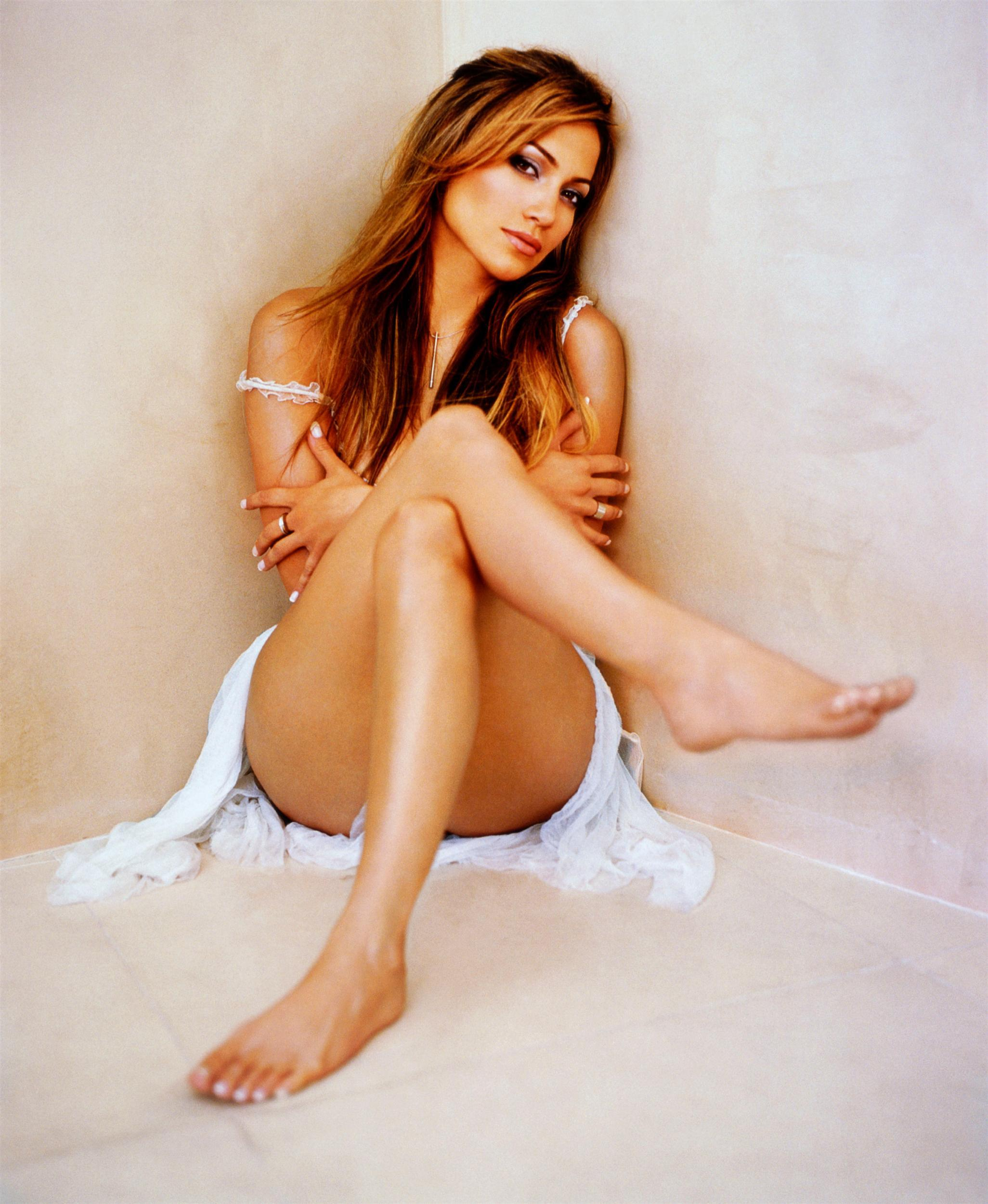 49 Sexy Jennifer Lopez Feet Pictures Will Make You Want -5637