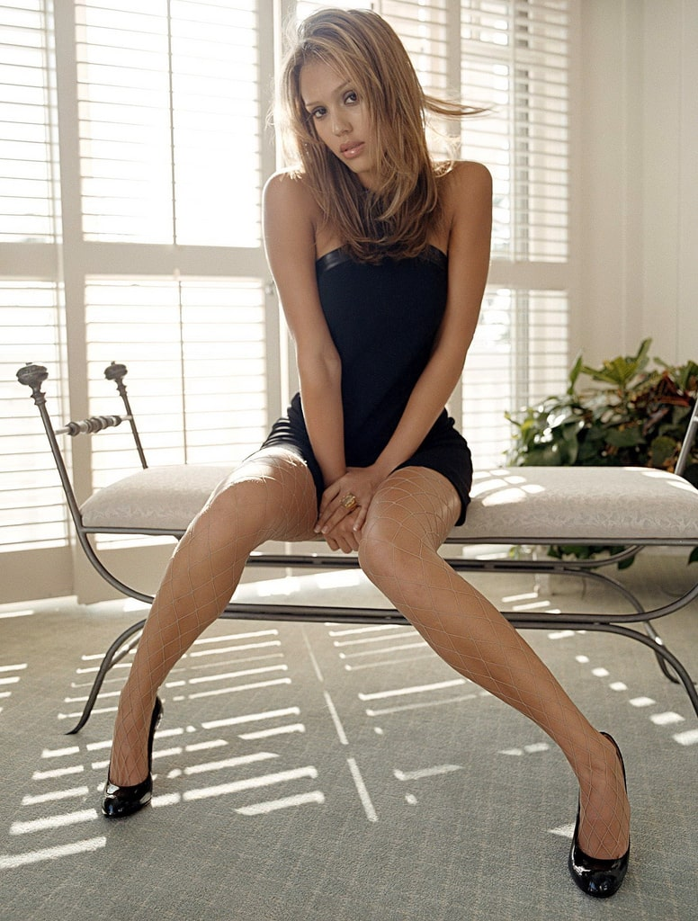 jessica alba beautiful feet pictures