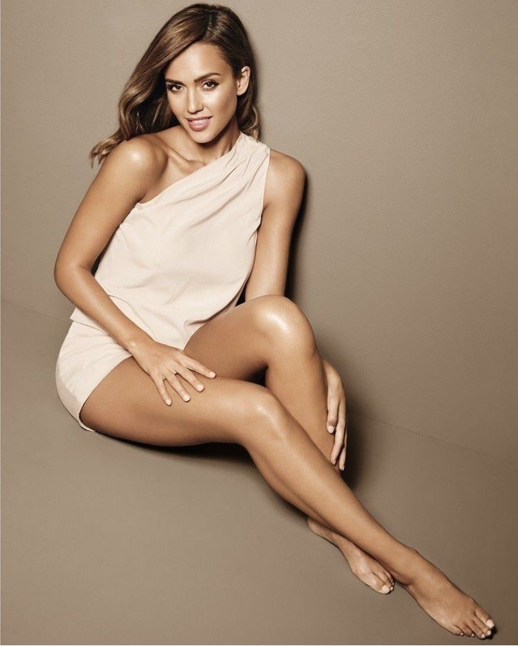 jessica alba hot bare feet pictures