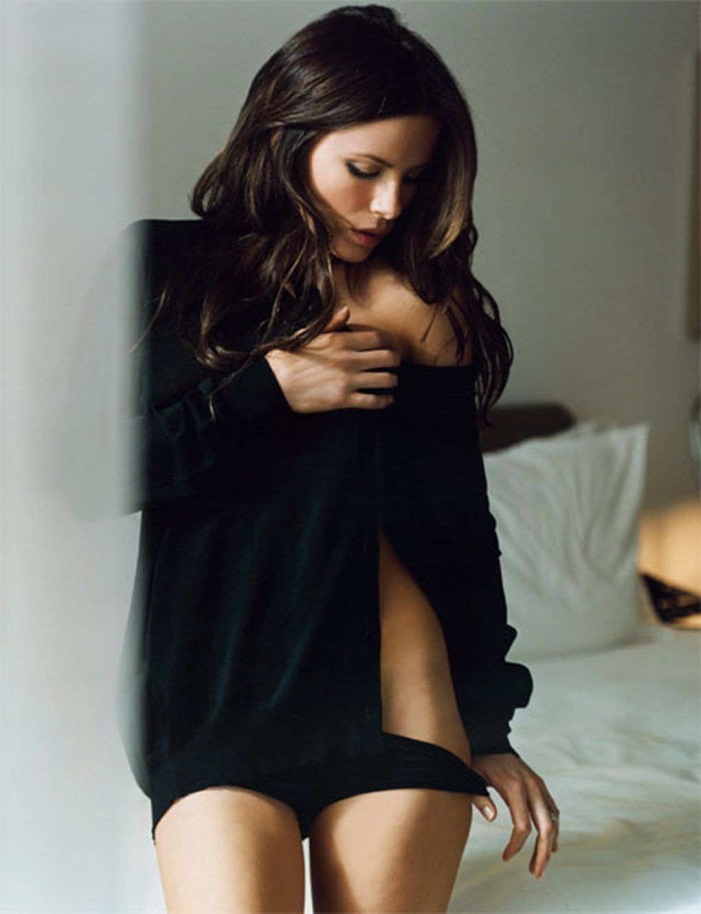 kate beckinsale sexy look
