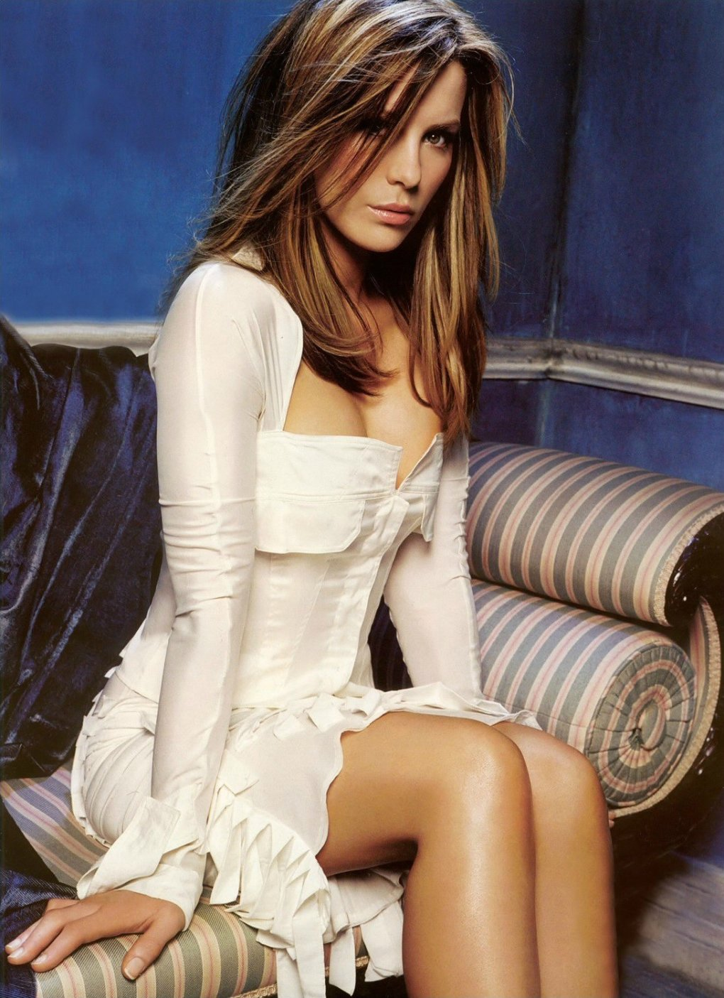 kate beckinsale sexy thighs