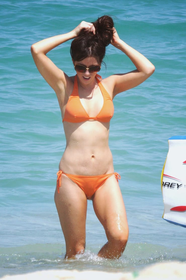 kate beckinsale swimsuit pictures