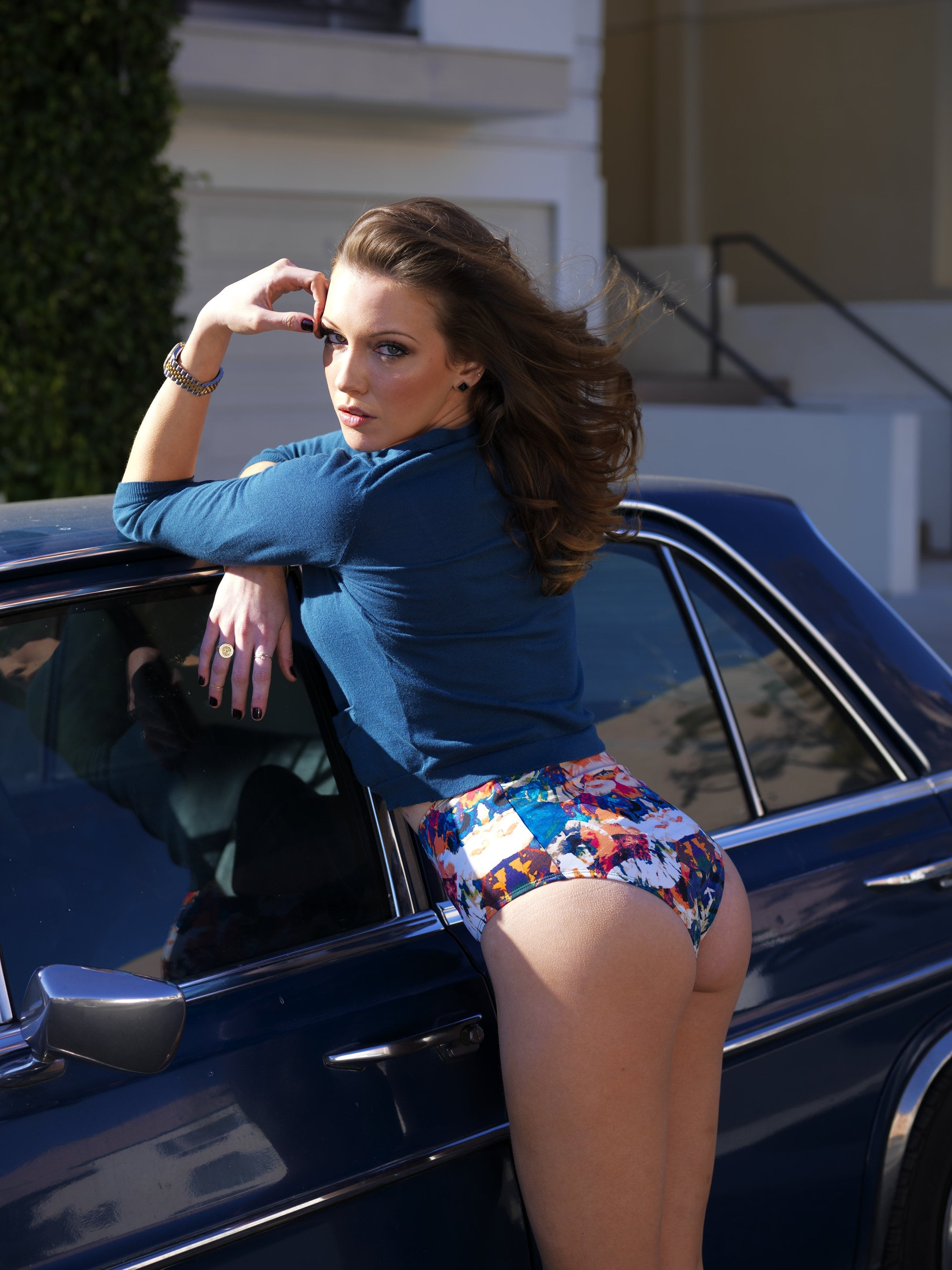katie-cassidy- booty sexy pic