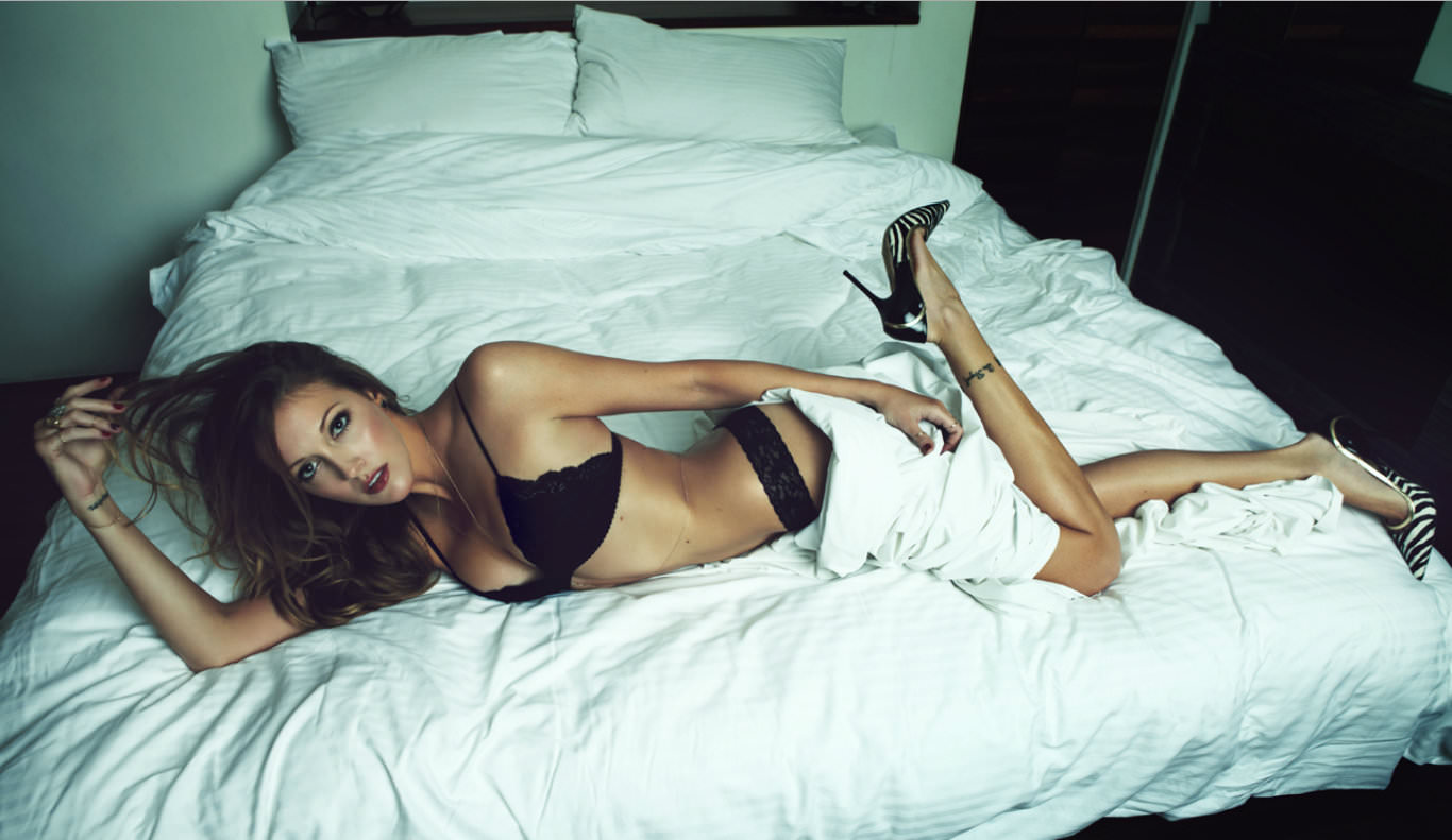 katie-cassidy-lingerie-pictures