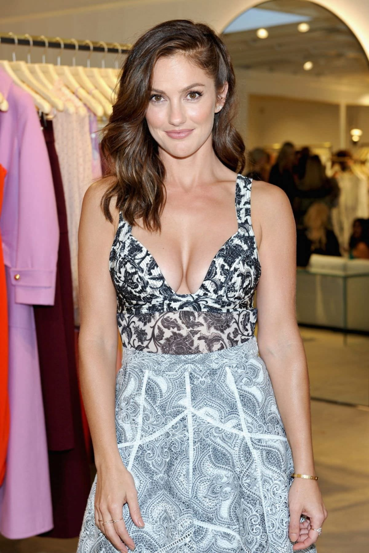 minka kelly cleavage pics