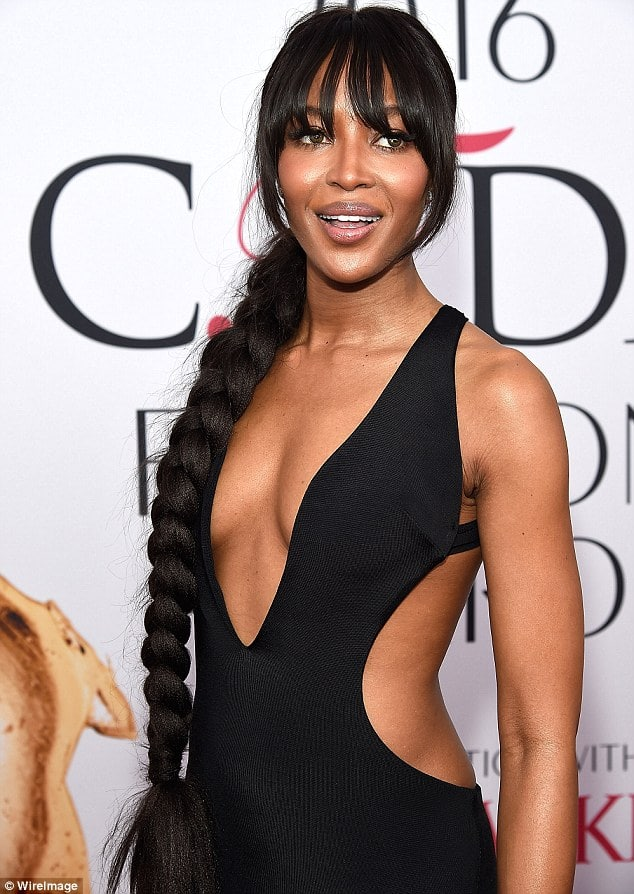 naomi campbell cleavage pictures
