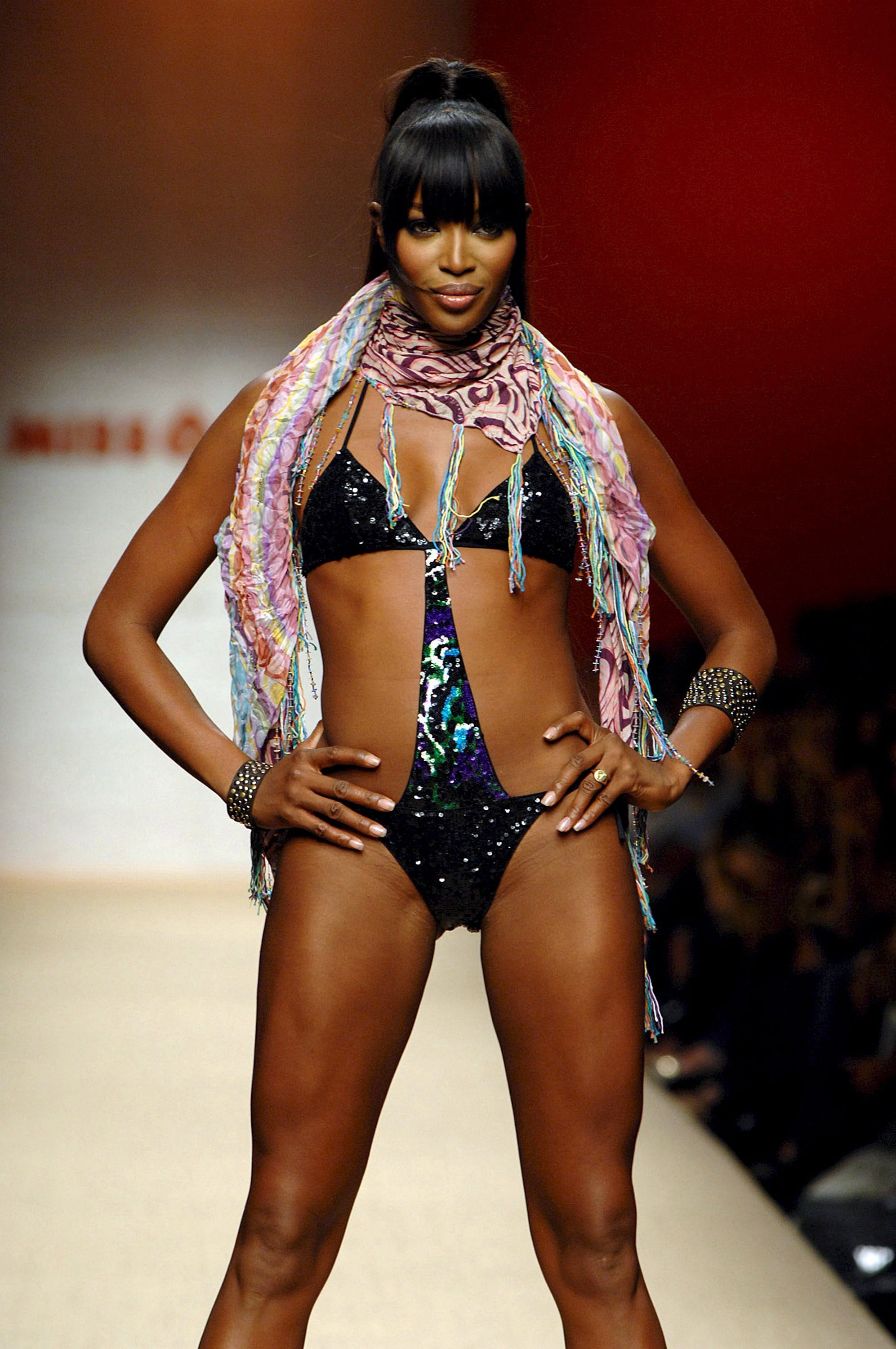 49 Hot Pictures Of Naomi Campbell Unravels Her Amazingly Sexy Body