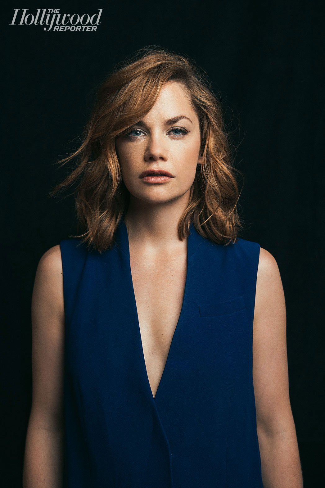ruth wilson sexy cleavage