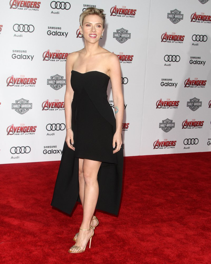 scarlett johansson hot feet in high heels