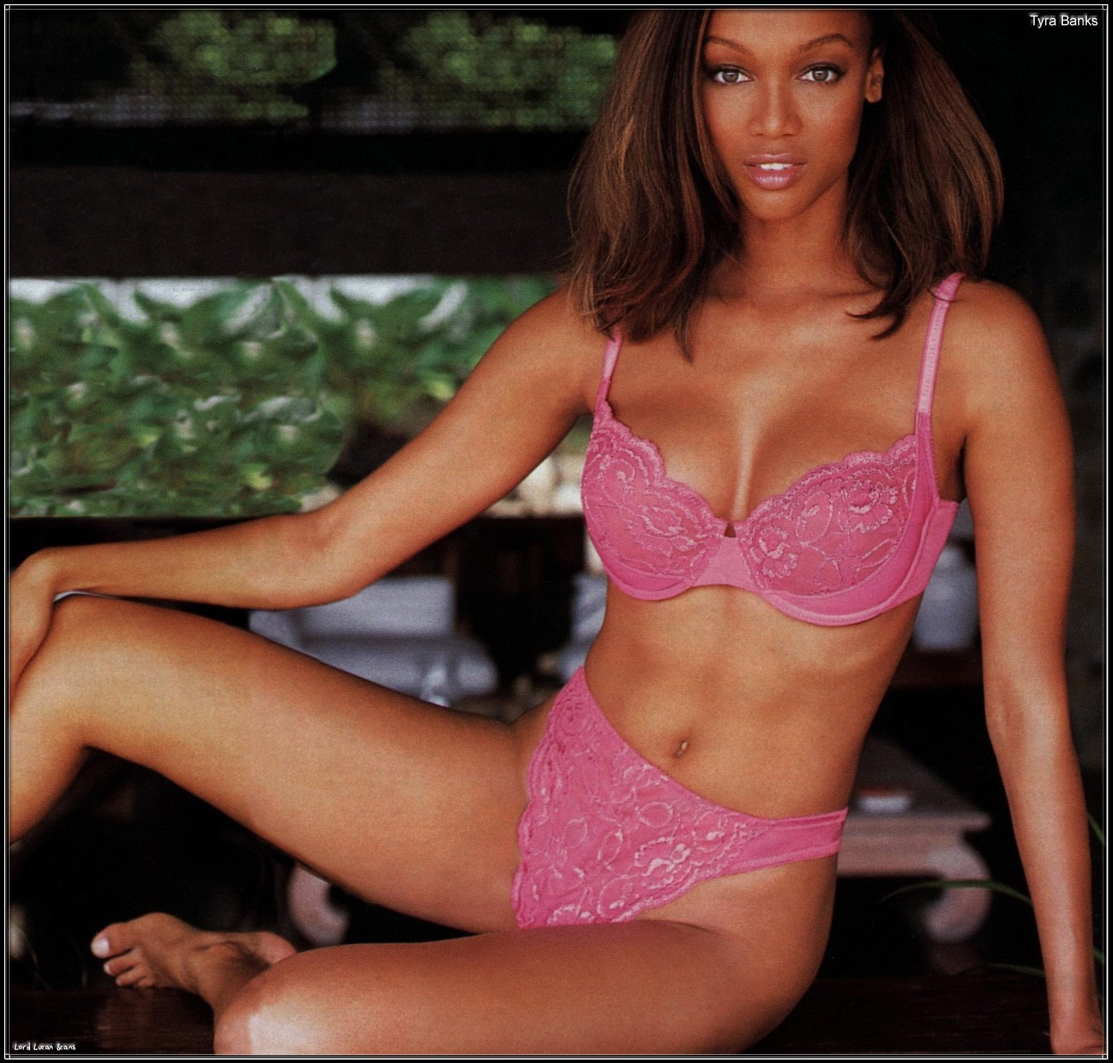 tyra banks sexy bare feet pictures