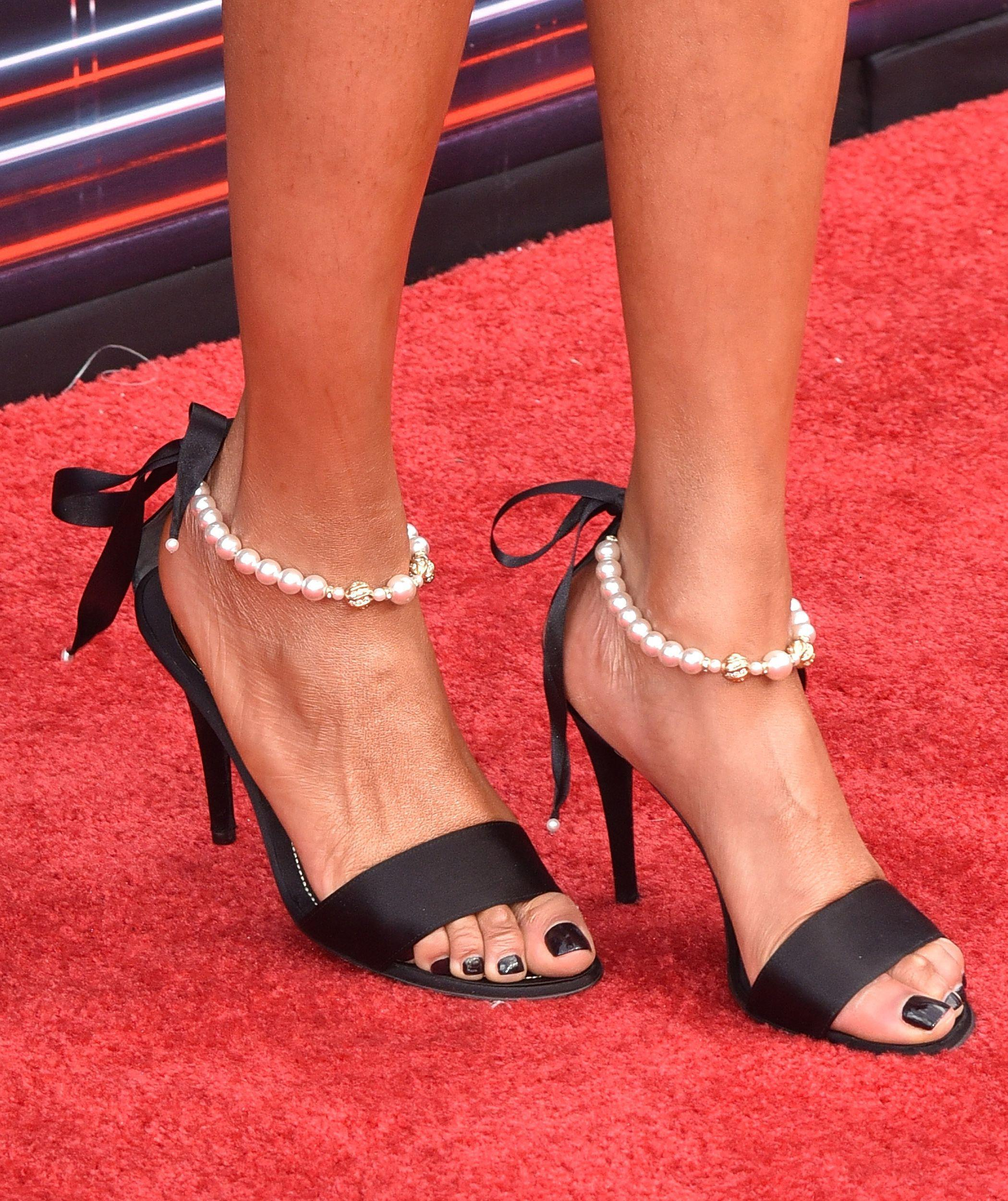 tyra banks sexy toes nails