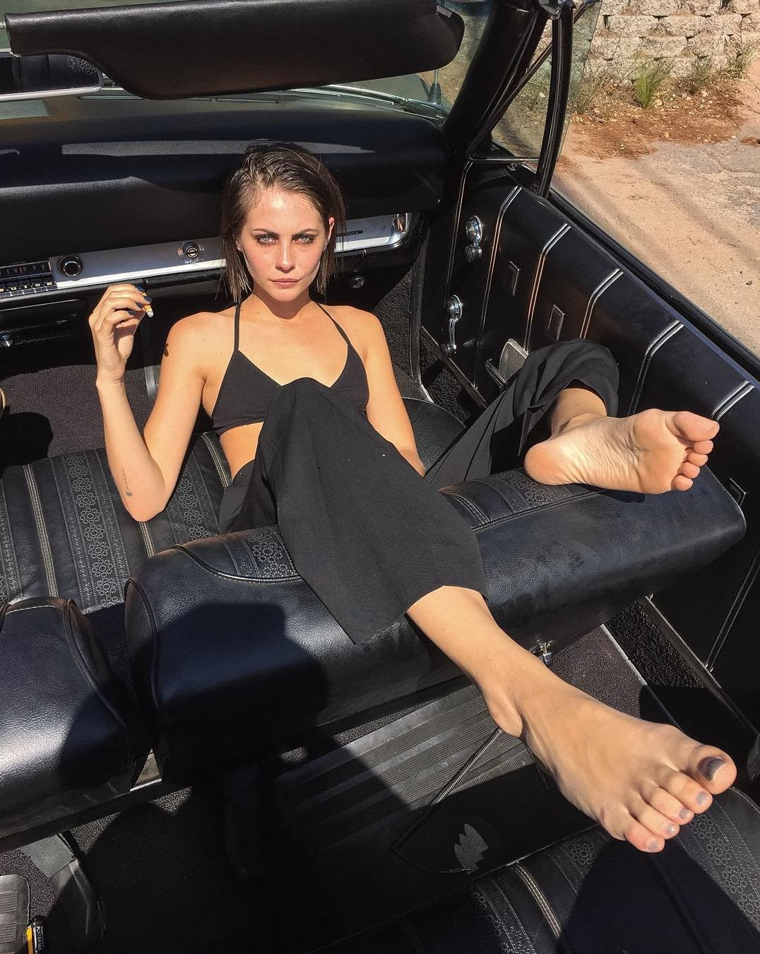 willa holland feet sexy