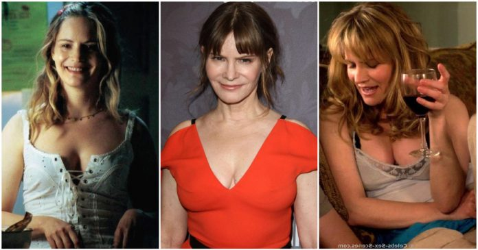 49 Hot Pictures Of Jennifer Jason Leigh Which Will Make You Love Her More