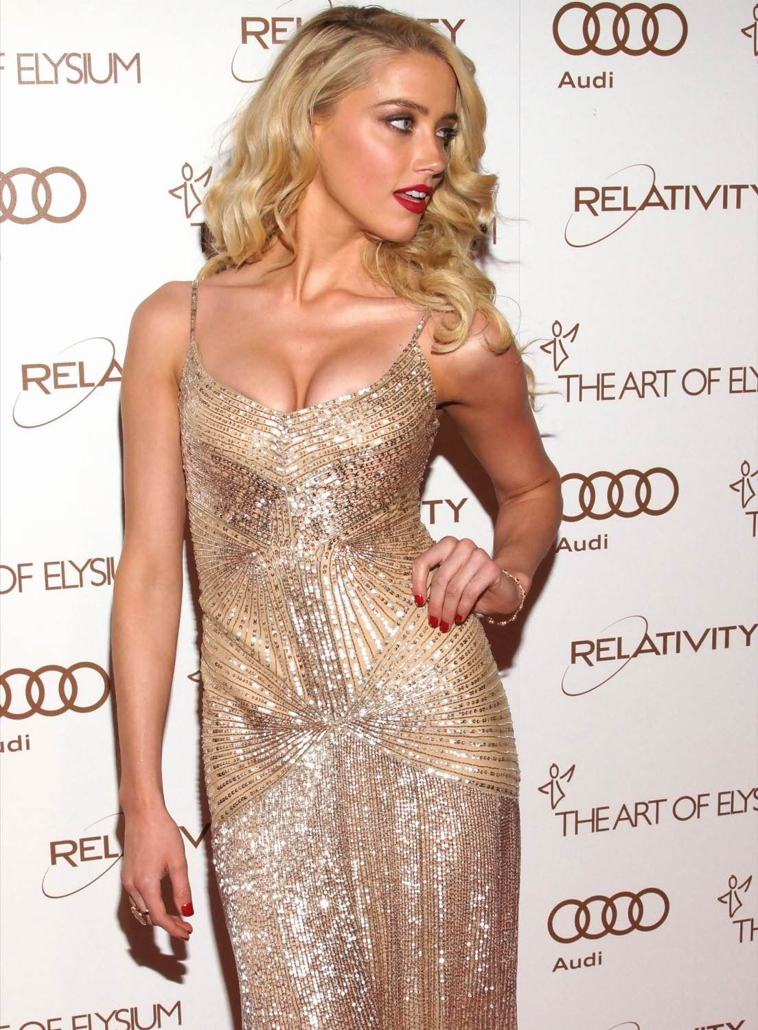 61 Sexy Amber Heard Boobs Pictures Will Make You Lose Your
