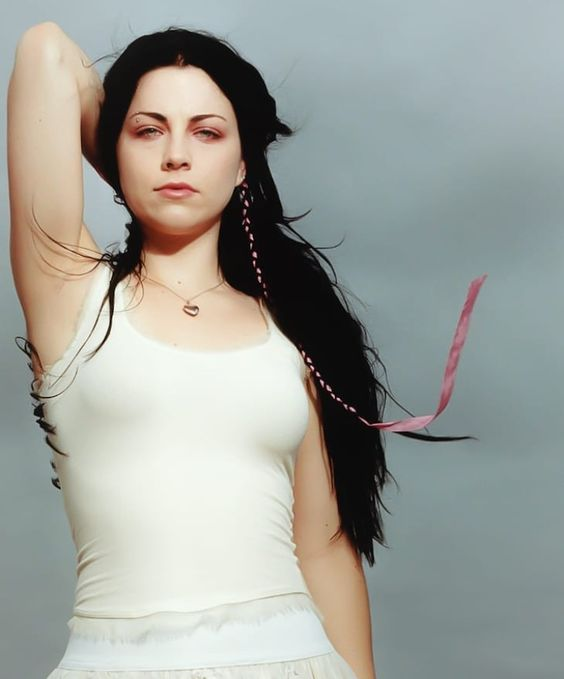 49 Hot Pictures Of Amy Lee From Evanescence Prove She Is The Sexiest