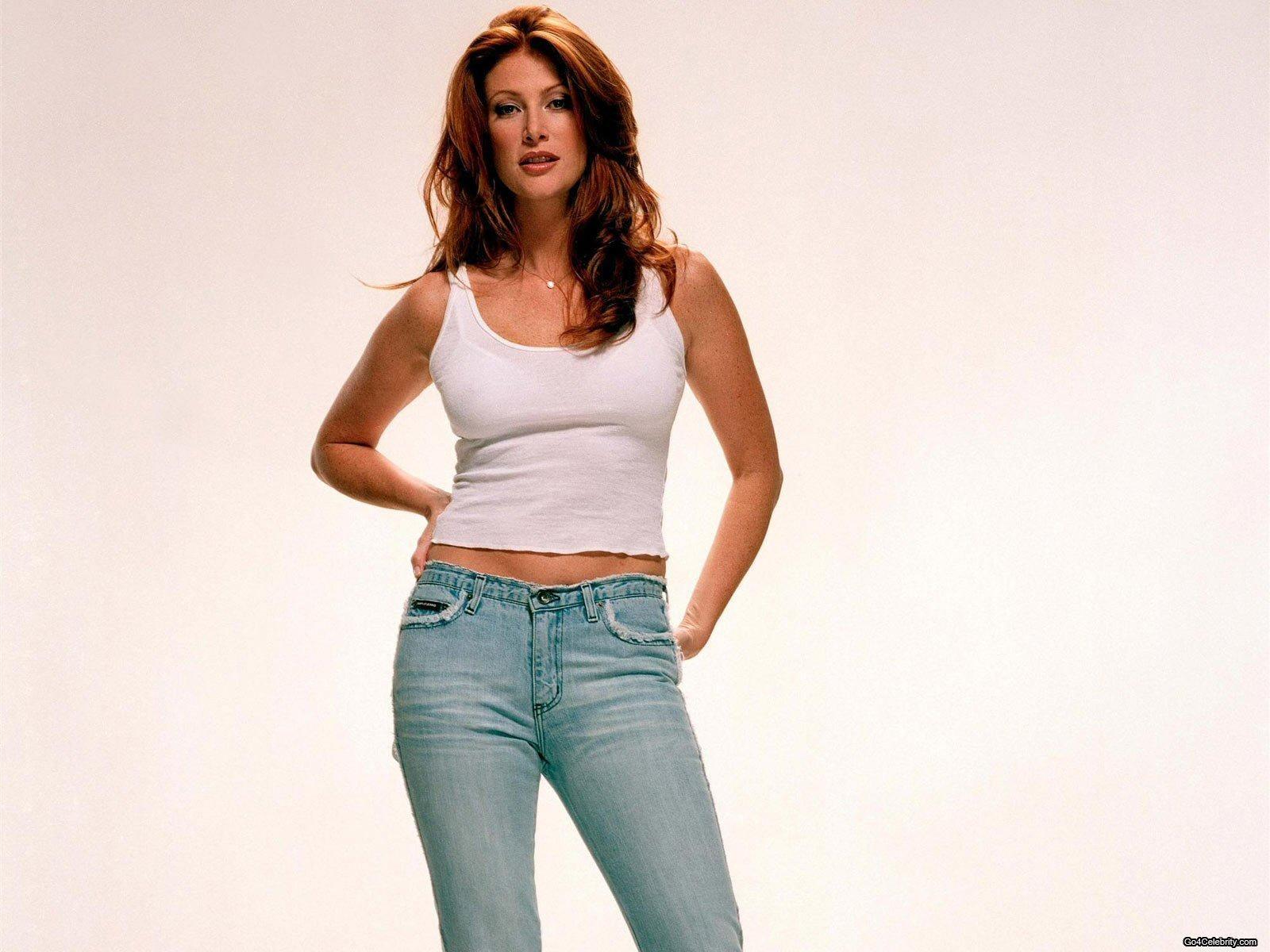 Angie Everhart Hot Videos 49 hot pictures of angie everhart are epitome of sexiness