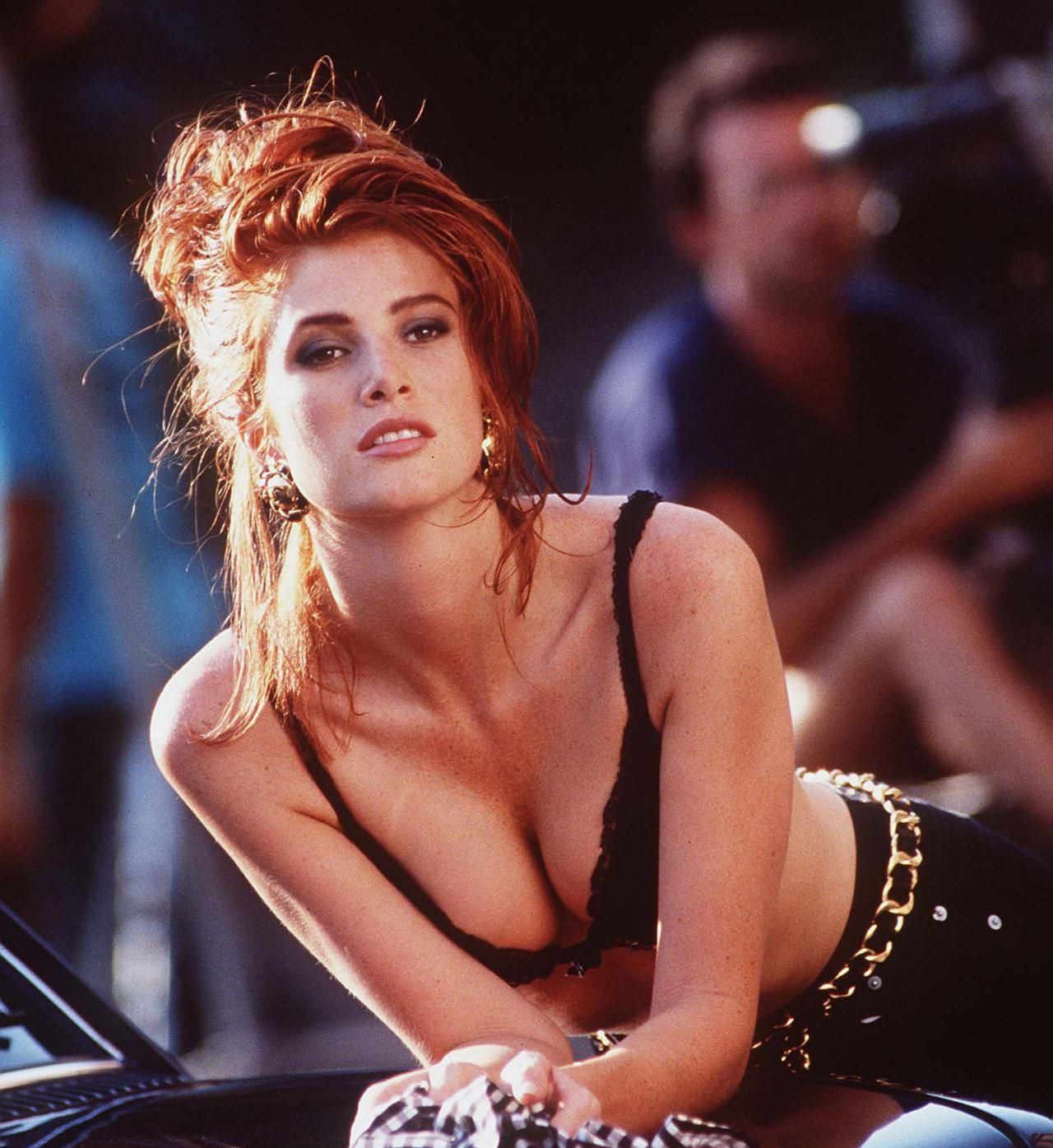 Angie Everhart Hot Sex 49 hot pictures of angie everhart are epitome of sexiness