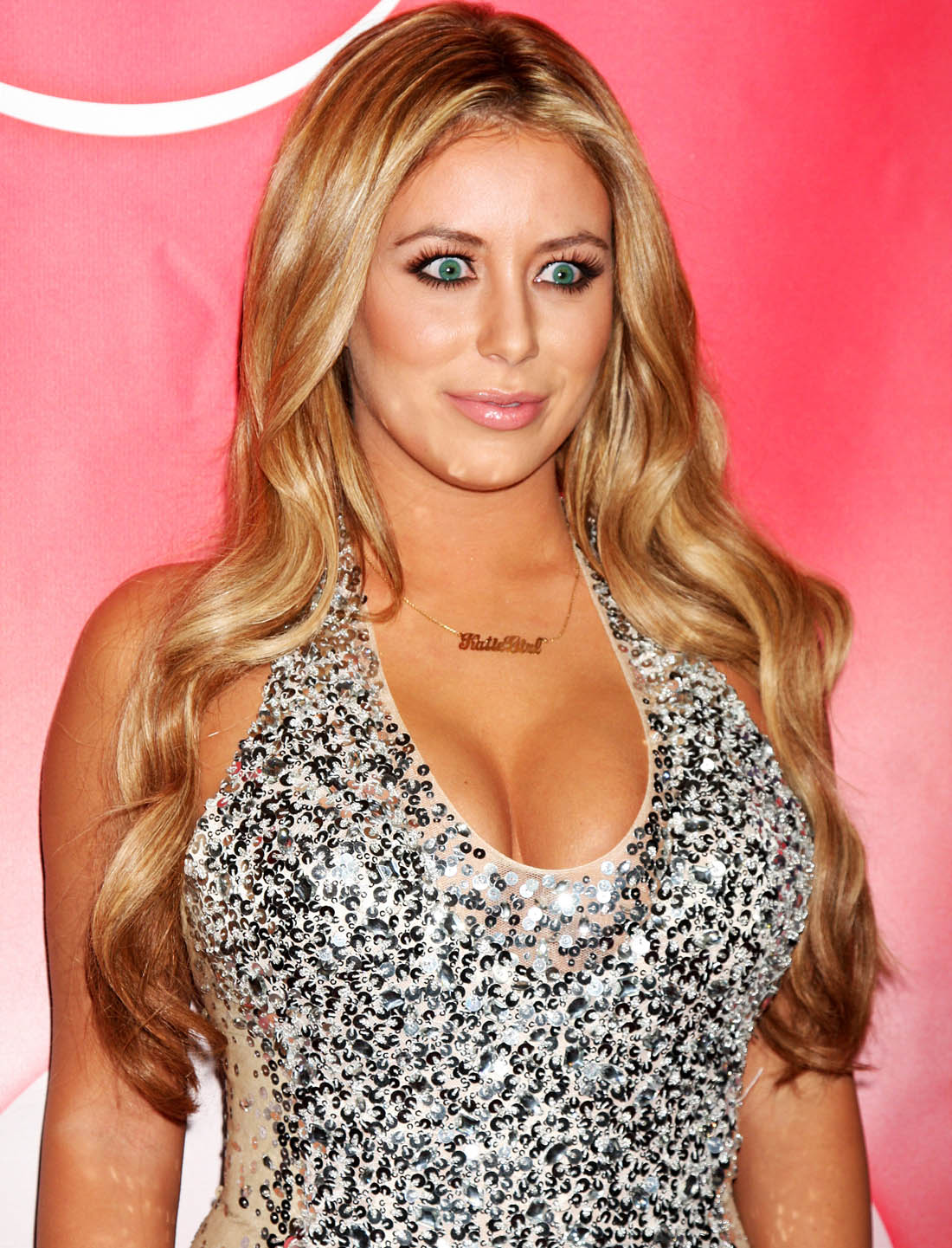 Aubrey O'Day busty photo