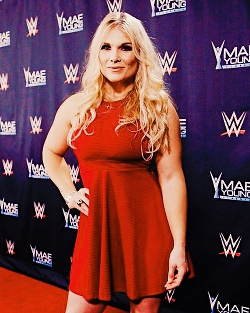 Beth Phoenix red hot pic