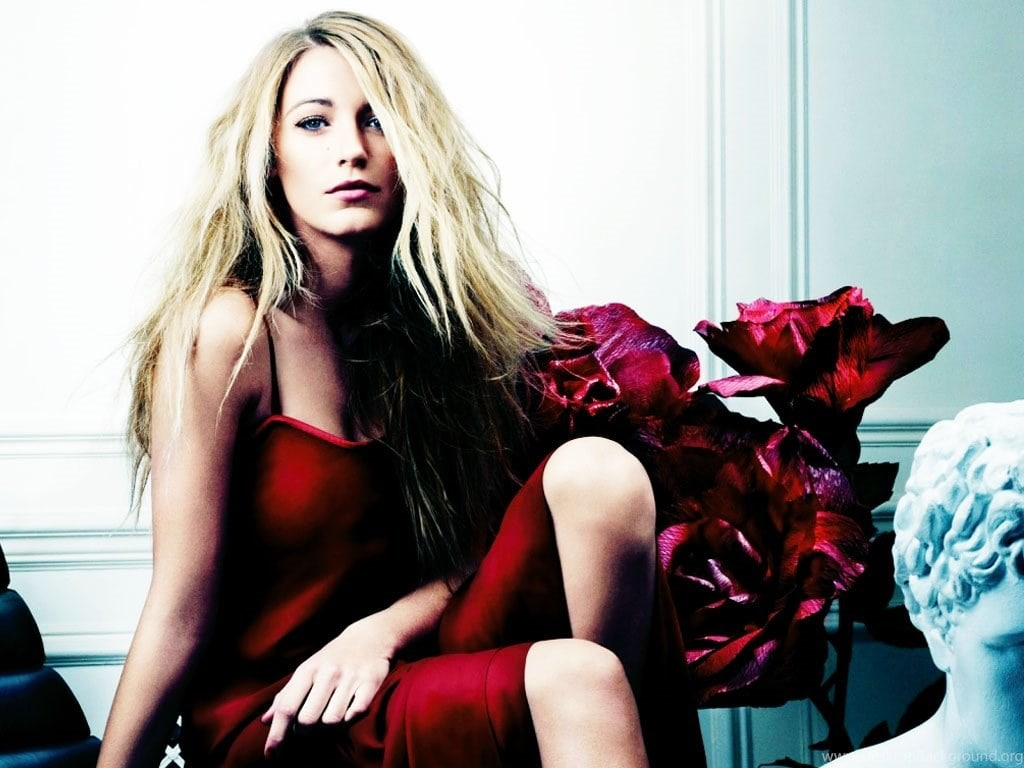 Blake Lively red hot pic