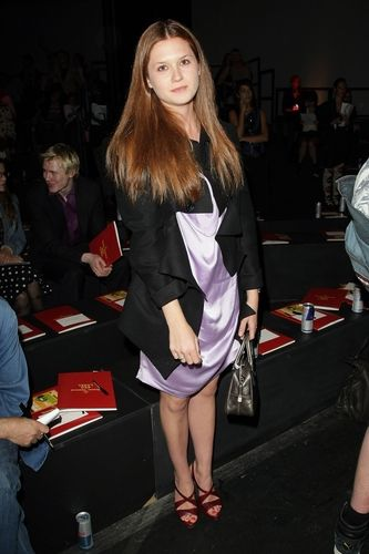 Bonnie Wright hot women pic