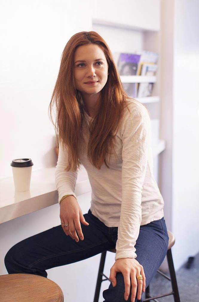 Bonnie Wright sexy lady photo