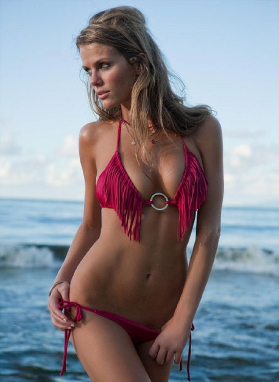 Brooklyn Decker hot lengerine