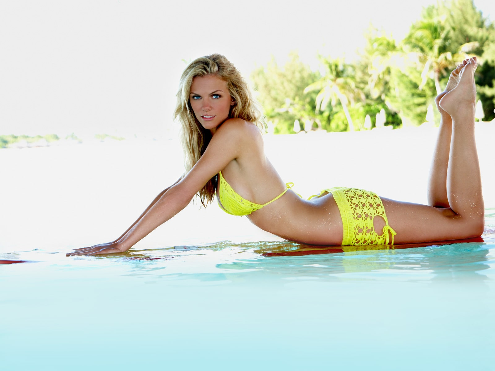 Brooklyn Decker hot pics