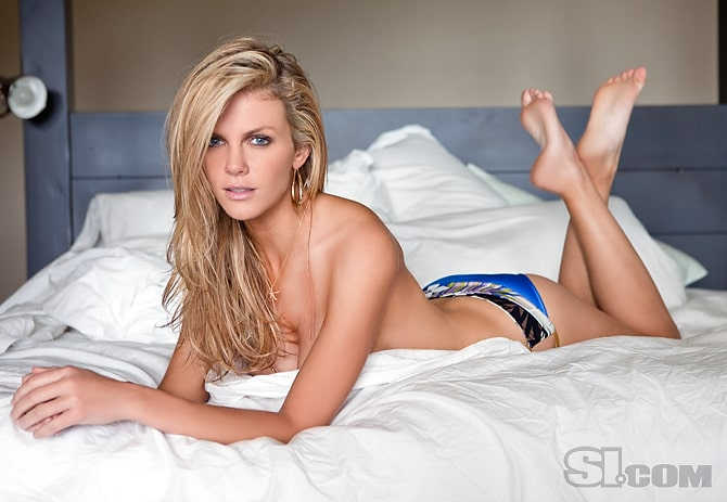 Brooklyn Decker sexy photos
