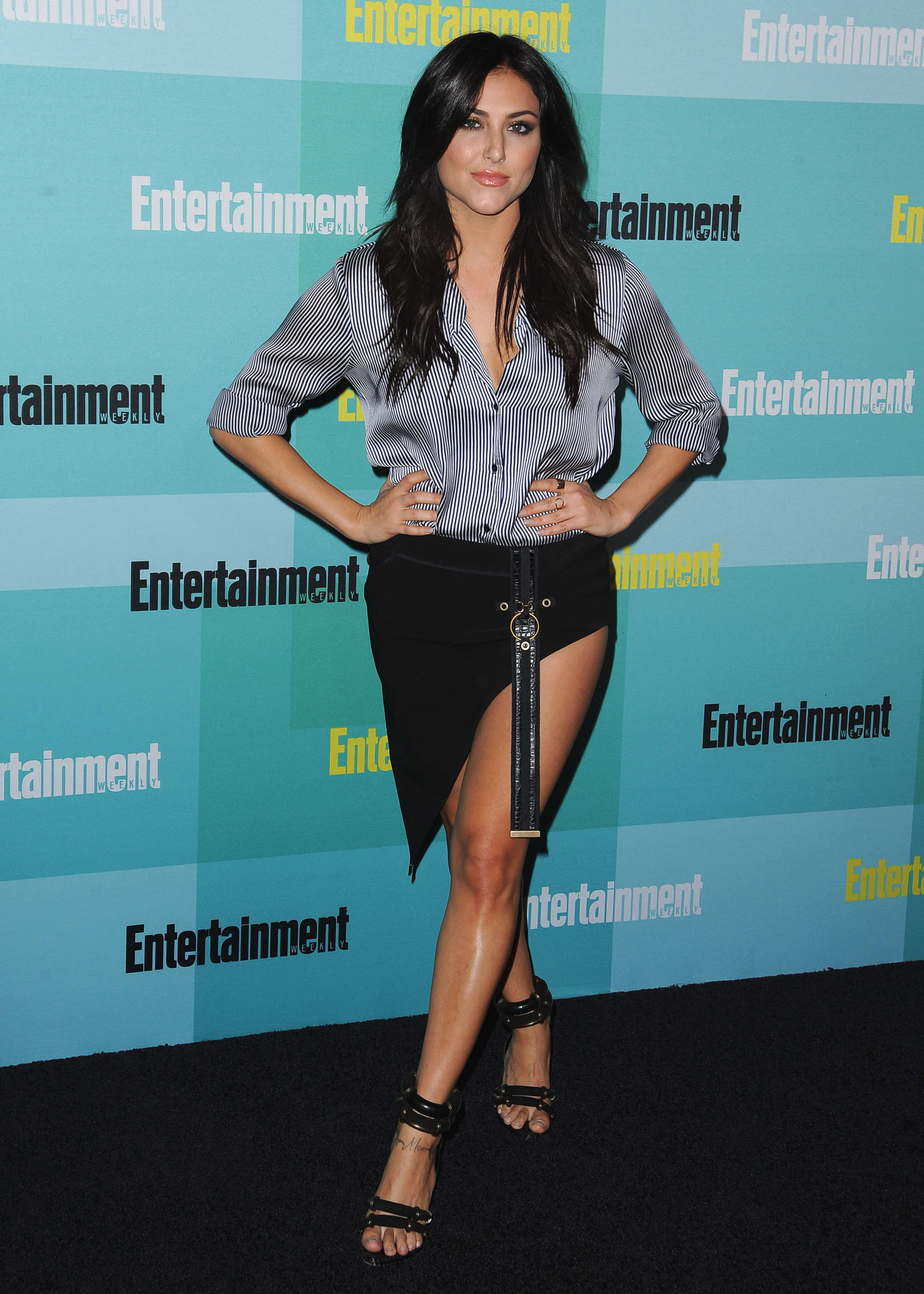 Cassie-Scerbo thighs awesome pic (2)