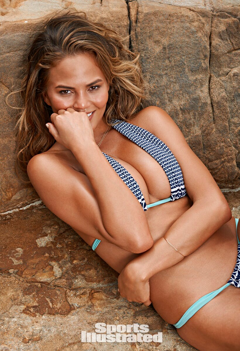 Chrissy Teigen cle4avages beautiful