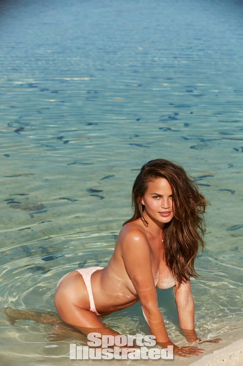 Chrissy Teigen topless awesome