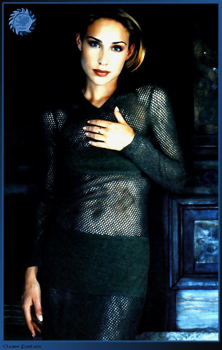Claire-Forlani-awesome dress