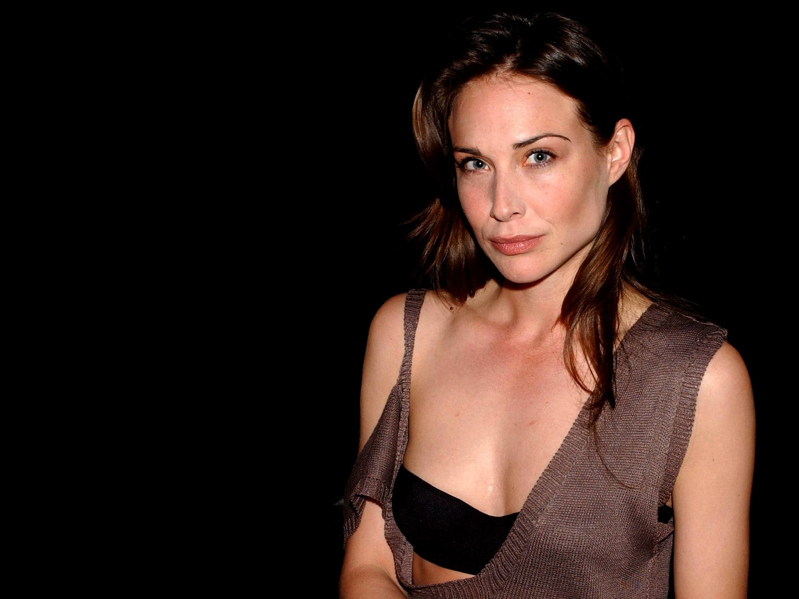 Claire-Forlani- cleavages hot