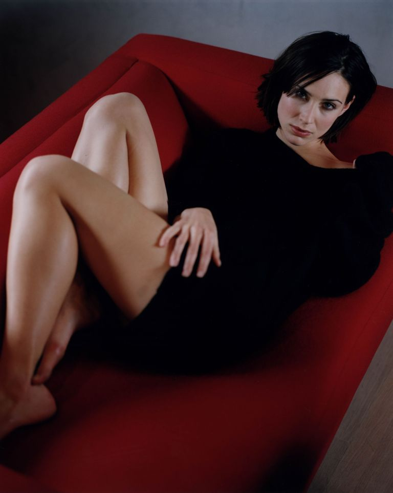 Claire-Forlani-legs sexy pictures