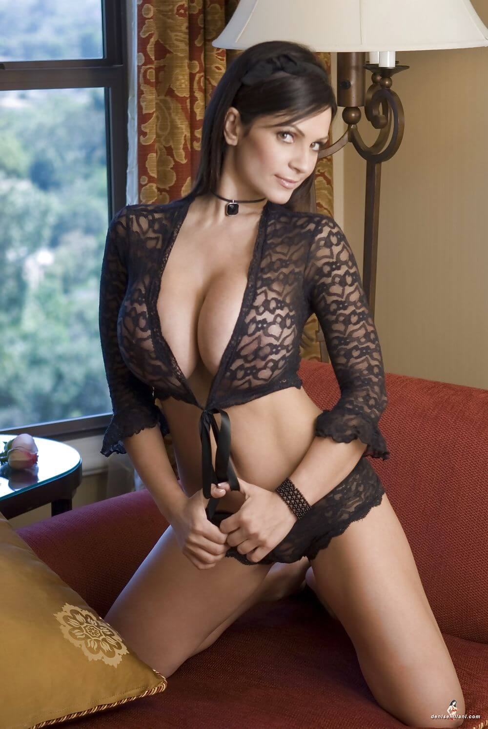 Denise Milani hot bikin pictures