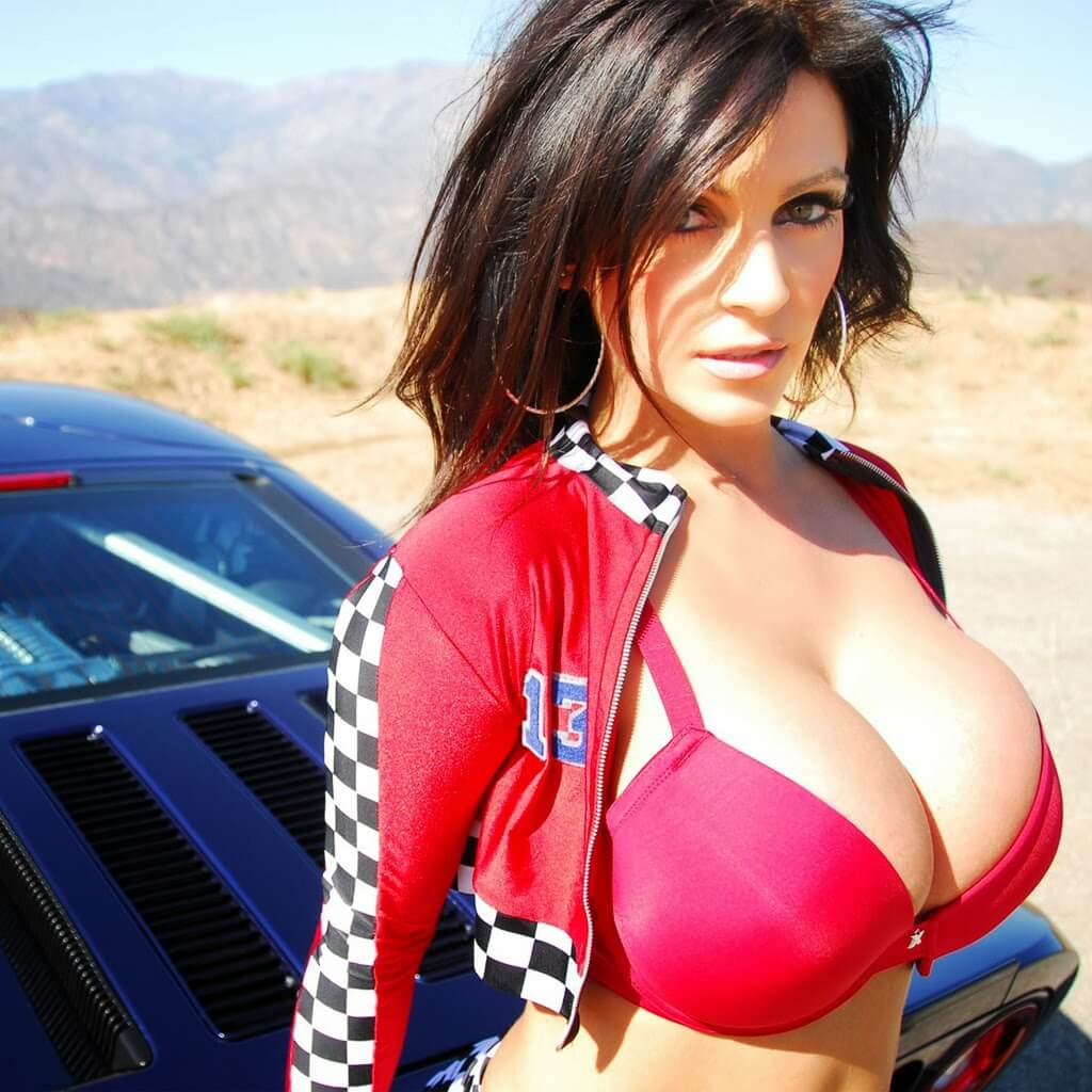 Denise Milani hto busty photo