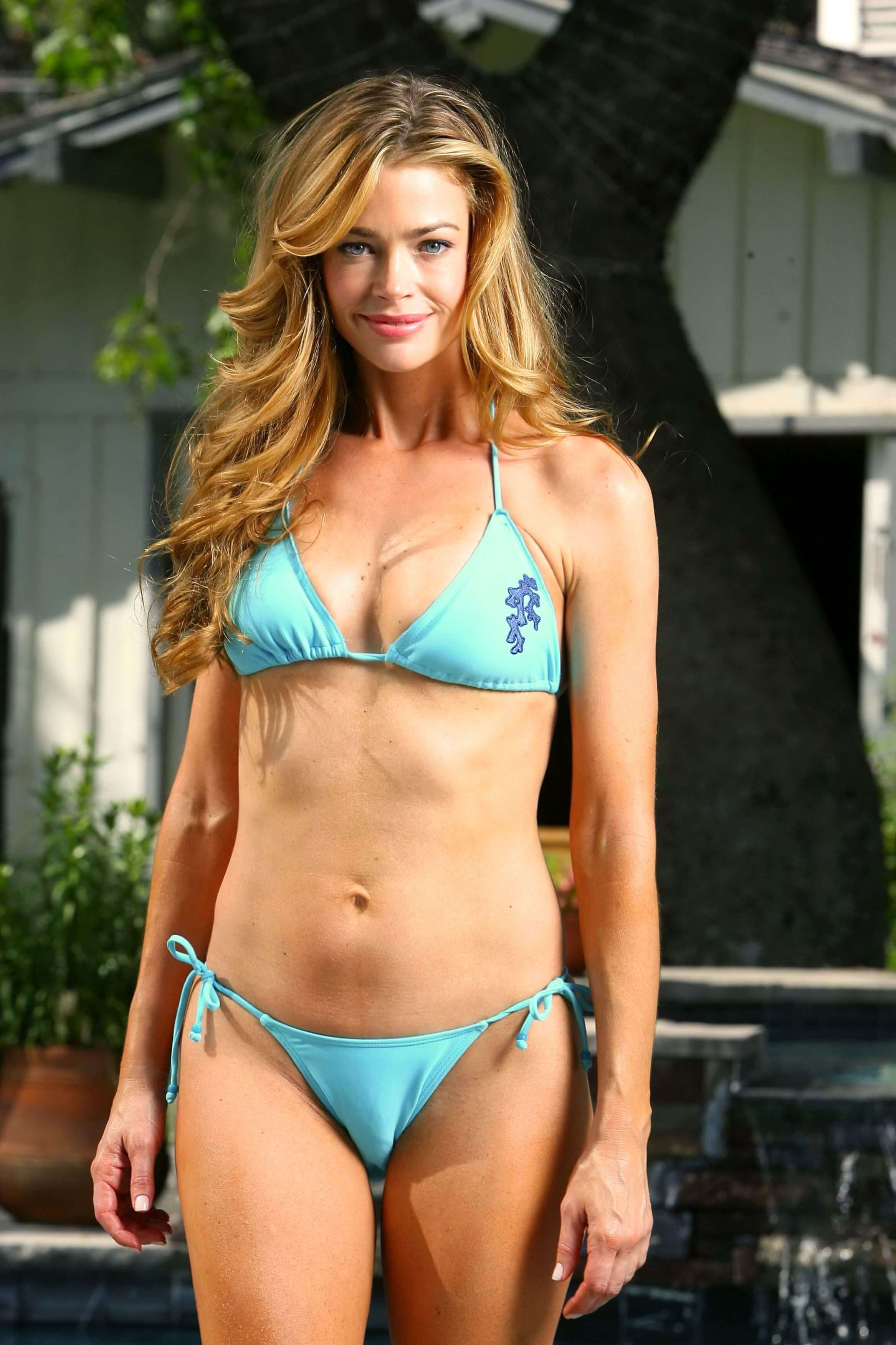 Denise Richards hot bikini (2)