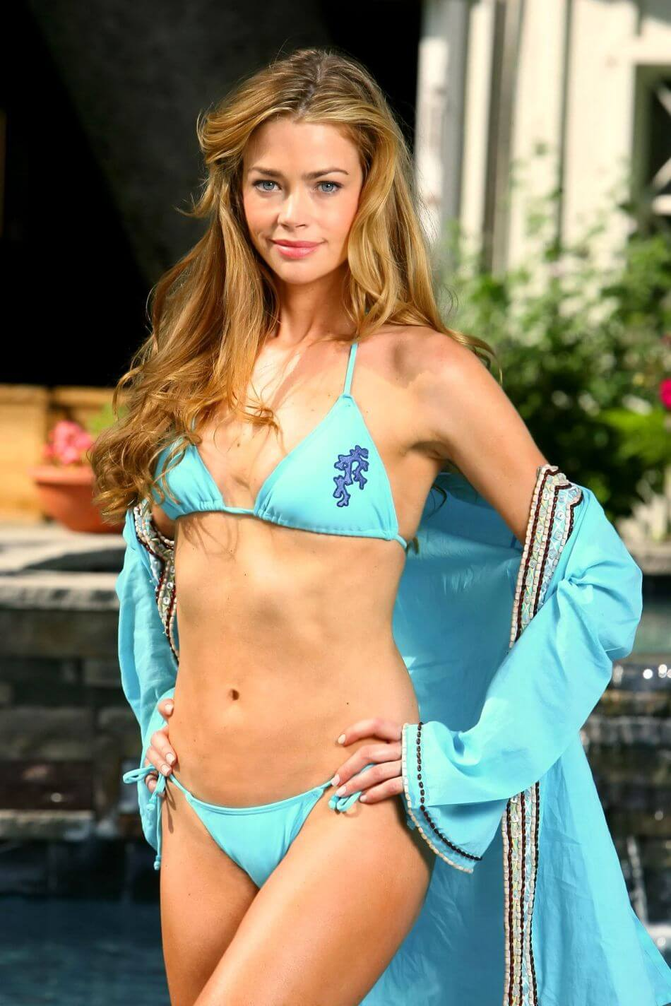 Denise Richards hot bikini look
