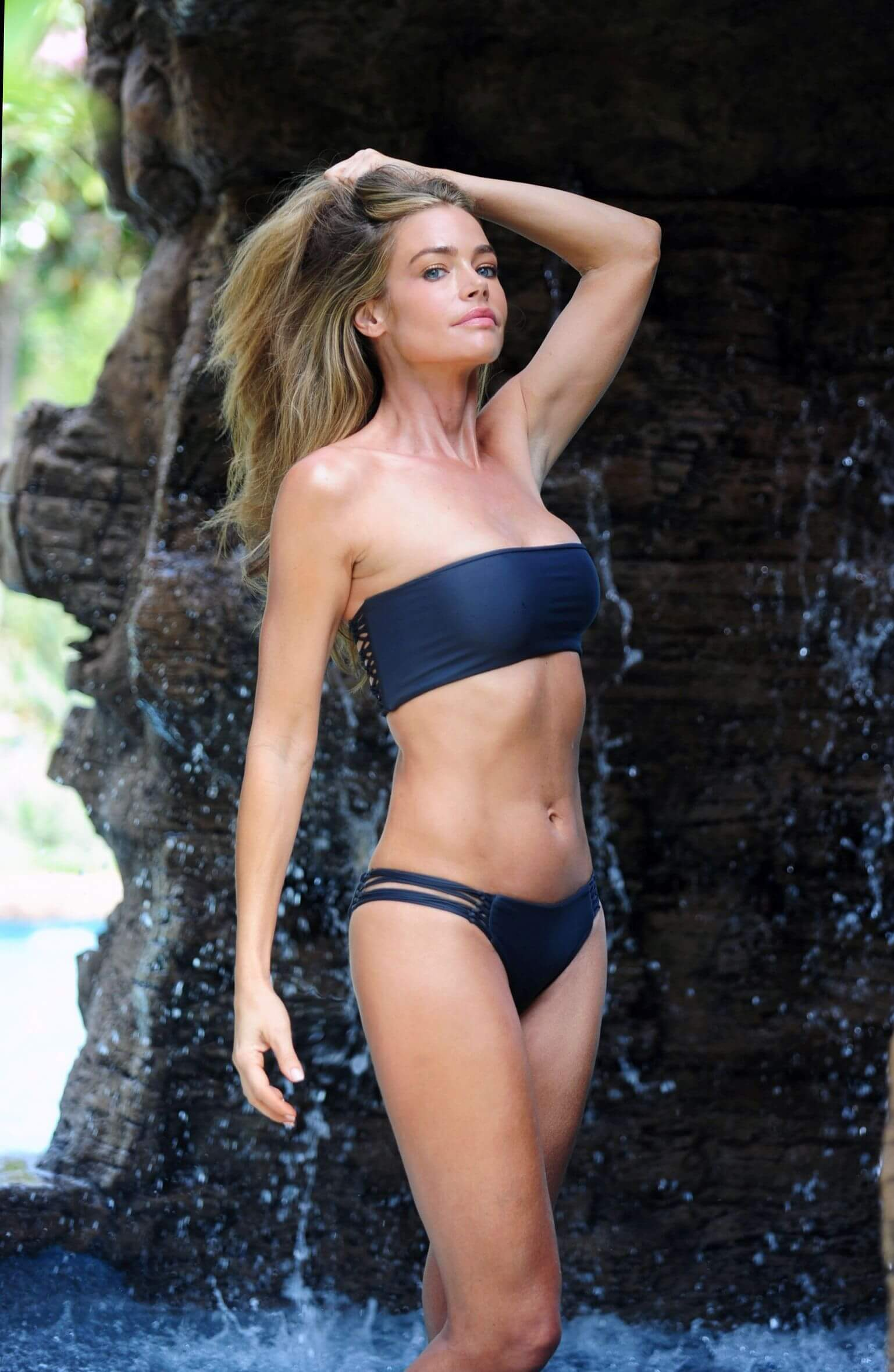Denise Richards hot look