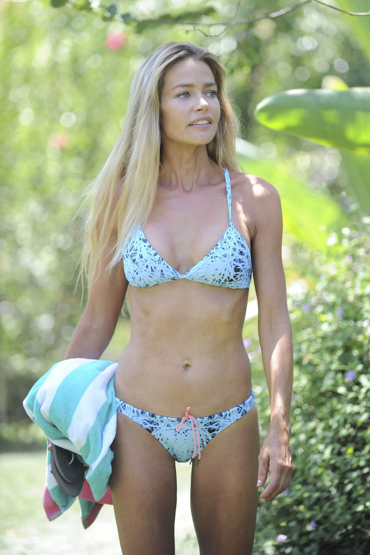 61 Sexy Denise Richards Boobs Pictures Will Get You Hot