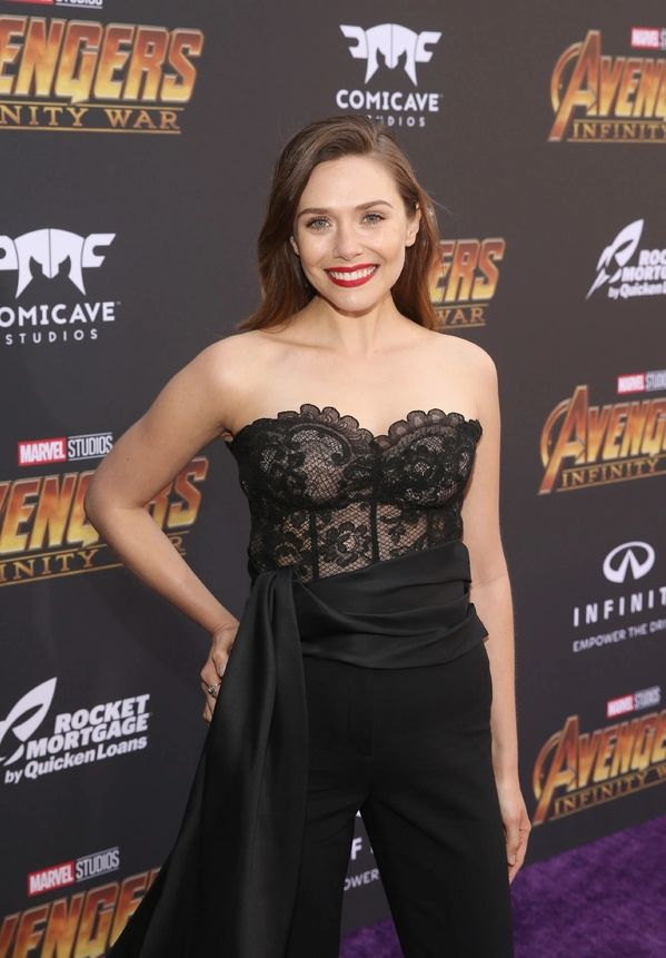 ELizabeth Olsen black sexy dress