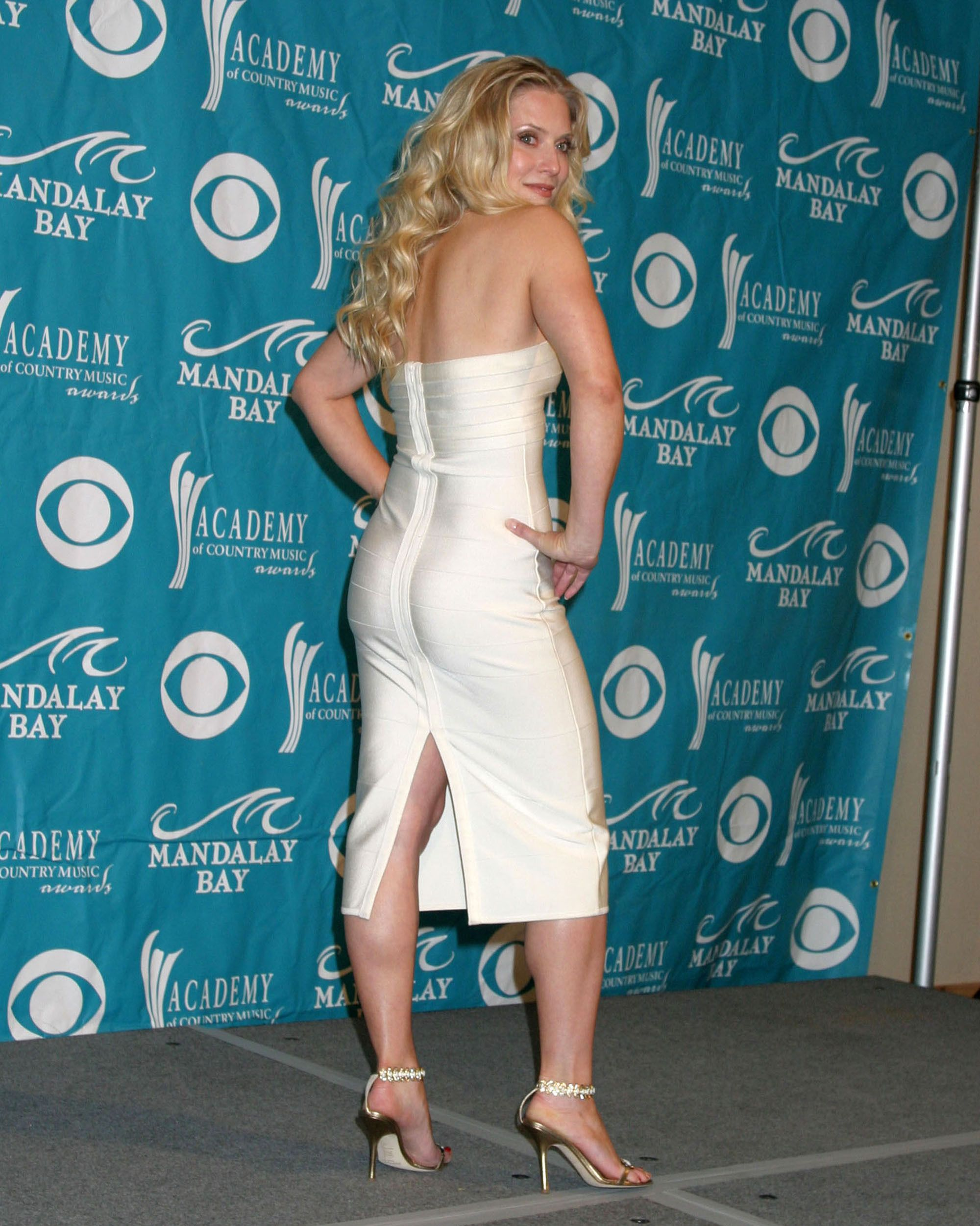 49 Hot Pictures Of Emily Procter Will Make You Stare The Monitor For