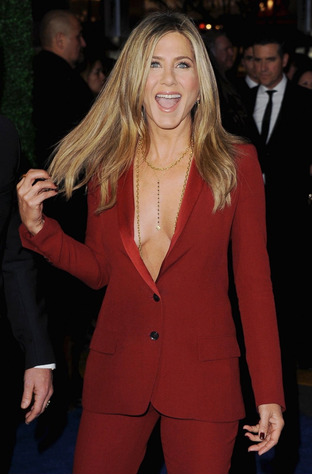 GTY_jennifer_Aniston1_ml_150116_2x3_1600-min