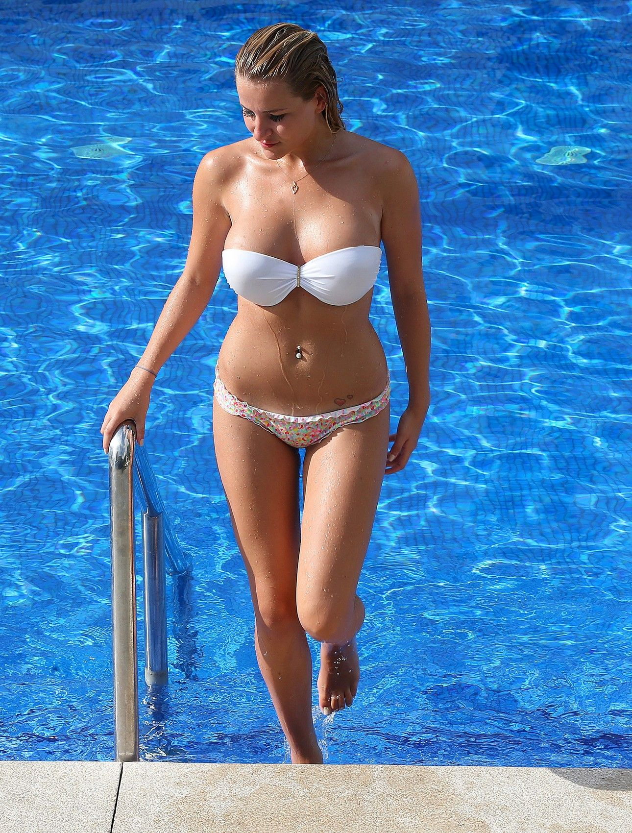 Georgia Kousoulou sexy swimming pool pic