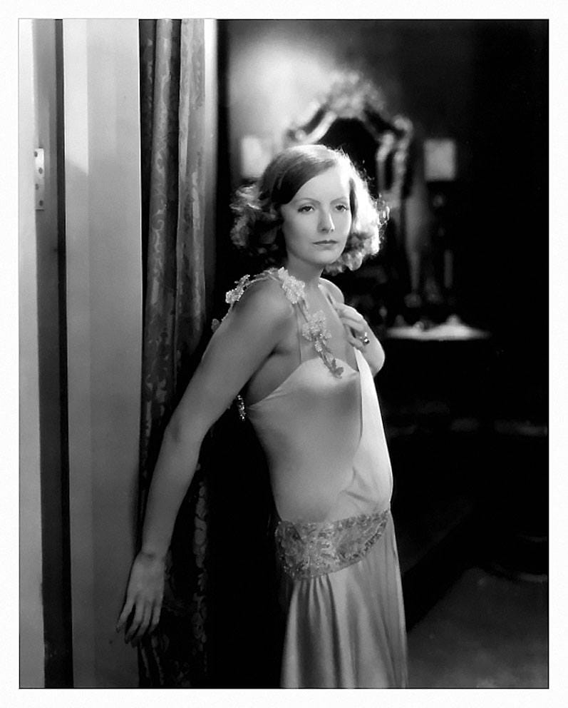 Greta Garbo hot boobs (2)