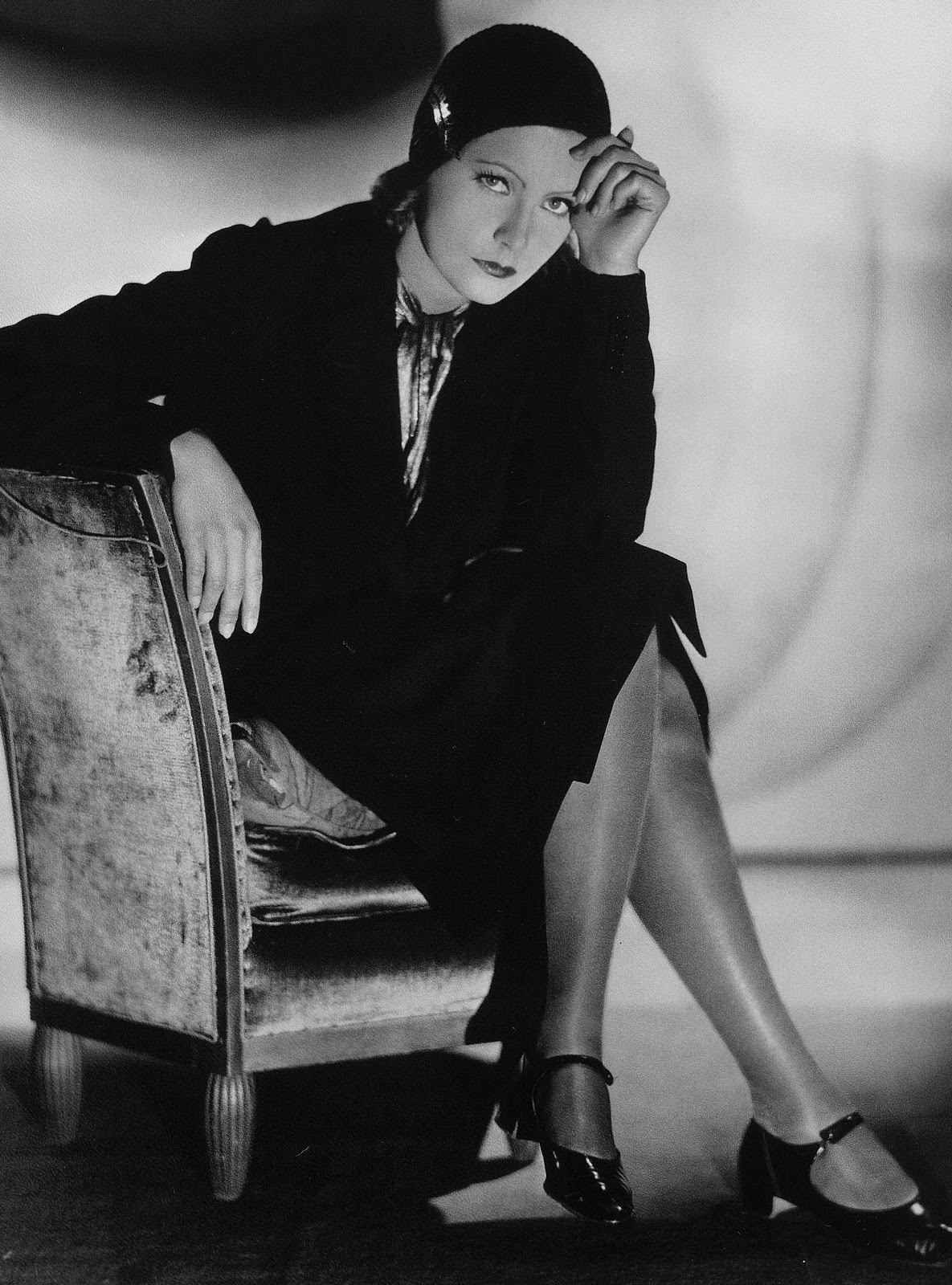 Greta Garbo hot legs