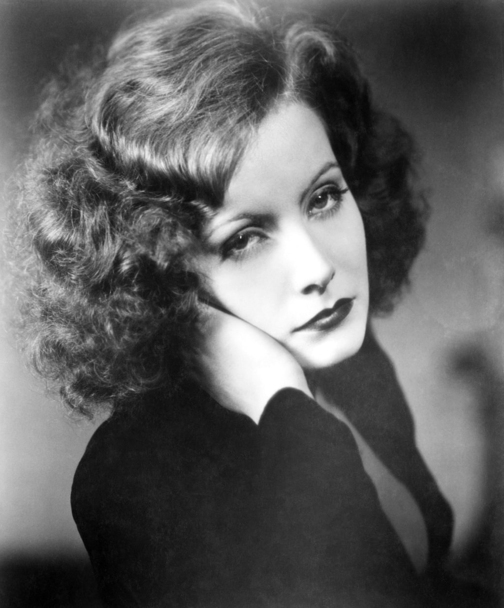 Greta Garbo hot photo (2)