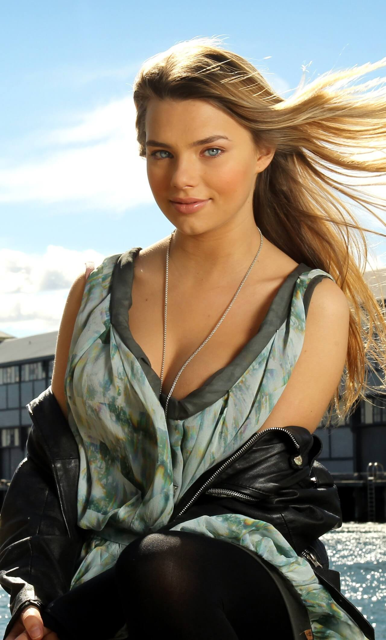 Indiana Evans hot busty picture