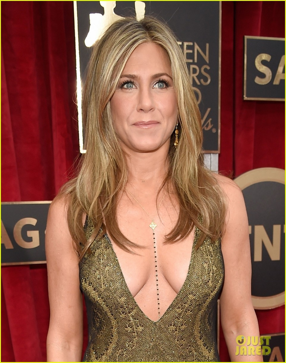 Jennifer Aniston hot pics